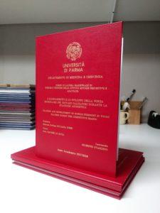 Tesi di laurea con frontespizio inciso Bindocopy Parma copisteria legatoria cartoleria